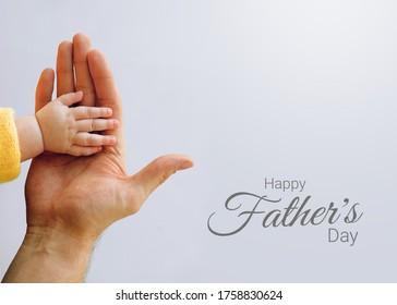 Der Vatertag wird weltweit gefeiert, um den Beitrag zu würdigen, den Väter und Vaterfiguren auf isoliertem Hintergrund zum Leben ihrer Kinder leisten.