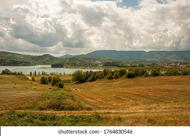 バランス湖ムジェロの土手からのパノラマビュー