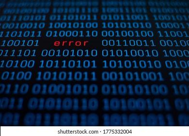 Fondo de número de código binario en azul sobre pantalla negra y error de palabra en color rojo en el medio
