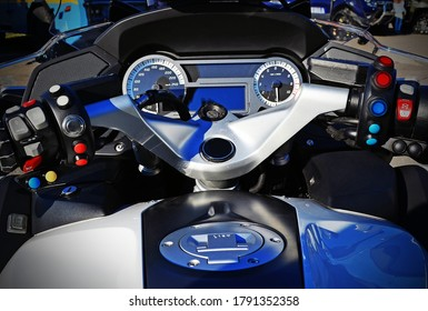 Fuel tank and the dashboard of a police BMW motorcycle
