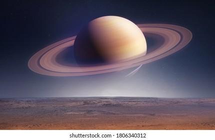 Landschaft mit Saturnplaneten im Himmel mit Sternen. Fantasy Space Wallpaper mit Planeten über dem Land. Sci-Fi. Elemente dieses Bildes von der NASA eingerichtet