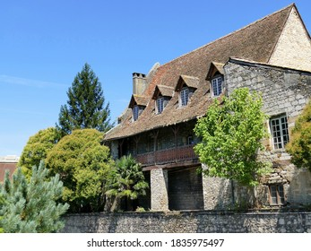 """Medieval house called """"Maison Batcave"""" in Orthez"""