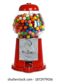 Máquina de chicles de carrusel. Dispensador de bolas de chicle de vidrio. Banco de monedas. Las máquinas de chicle utilizan monedas de veinticinco centavos. Divertidos colores brillantes. Fondo blanco aislado.