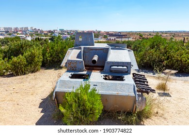 Military equipment. A German battle tank from the Second World War in position in good summer weather.