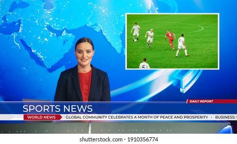 女性アンカーがサッカーゲームのスコアに関するスポーツニュースを報告するライブニューススタジオ、美しいゴールを決める前にサッカーをしている2つのチームのストーリーショーのハイライト。モックアップTVチャンネルニュースルーム