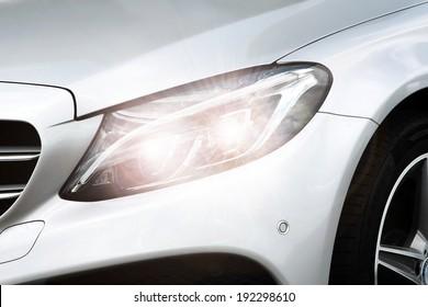 車のシルバーランプ