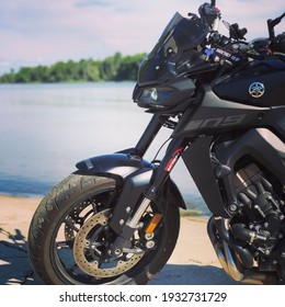 私のオートバイの写真コレクションからの美しい写真。写真で紹介されているのは私の2018ヤマハMT-09です