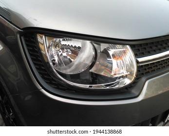 faros de coche ignis coche pequeño que es muy eficiente en combustible
