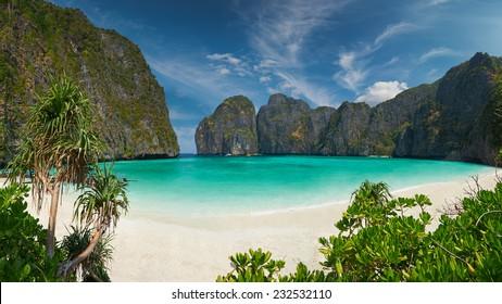 旅行休暇の背景-リゾートのある熱帯の島-タイ、クラビ県のピピ島。