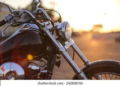 Detalle de motocicleta closeup horquilla delantera y faro