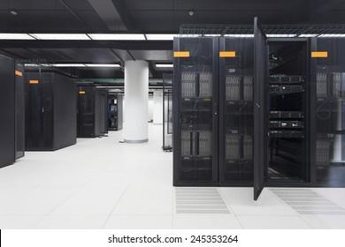servidor de telecomunicaciones en centro de datos