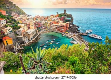 Panorama von Vernazza und hängendem Garten, Nationalpark Cinque Terre, Ligurien, Italien, Europa