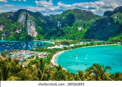旅行休暇の背景-リゾートのある熱帯の島-ピピ島、クラビ県、タイ