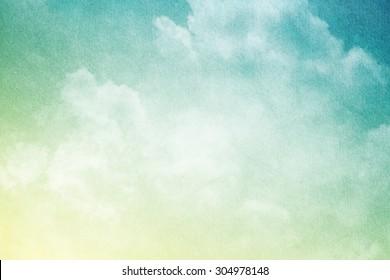 艺术软云和天空与grunge纸张纹理
