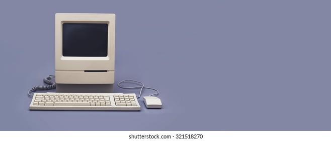 レトロなコンピューターのヘッダー画像