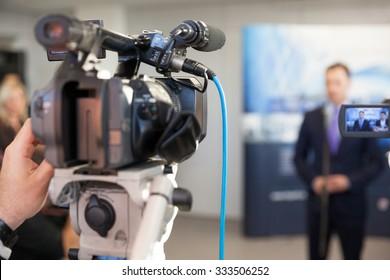 Conferencia de prensa. Portavoz.