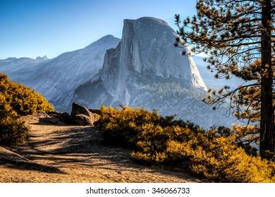 ハーフドームトレイルビュー、ヨセミテ国立公園、カリフォルニア州