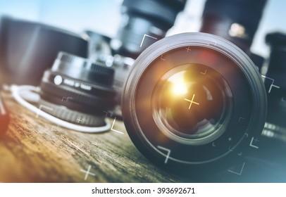 Equipo de fotografía profesional. Kit de trabajo de fotógrafo profesional. Lentes fotográficos.