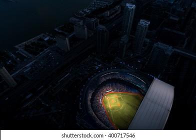 Rogers Center vom Himmel bei Nacht