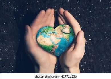 Con amor y cuidado a nuestro planeta.