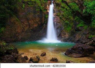 Jogkradin Wasserfall am Thongphaphum Nationalpark in der Kanjanaburi Provinz, Thailand