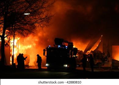 職場の消防士