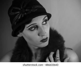 女優の古いハリウッド1920-1930年映画スターの肖像画の黄金時代の模倣