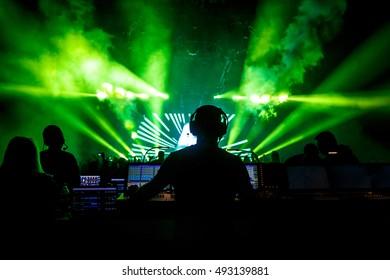 ライブロックコンサート、ディスコショーのサウンドマネージャー