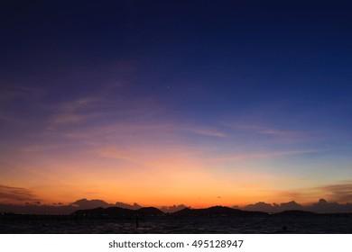 Hermoso color de la puesta de sol