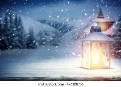 クリスマスの時間と夜の光のランプ