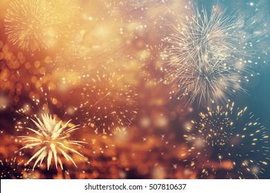 新年の花火とコピースペース-抽象的な休日の背景