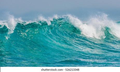 Rollende Wellen, die Margaret Beach, Westaustralien, abstürzen