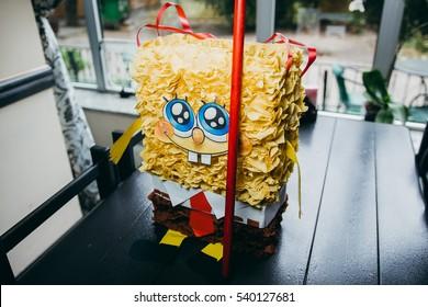 pinata spongebob