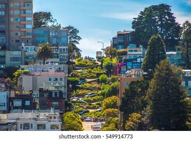 有名なロンバードストリート、サンフランシスコ、カリフォルニア、米国