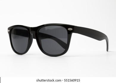 Gafas de sol negras aisladas