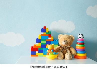 colección de juguetes para niños.