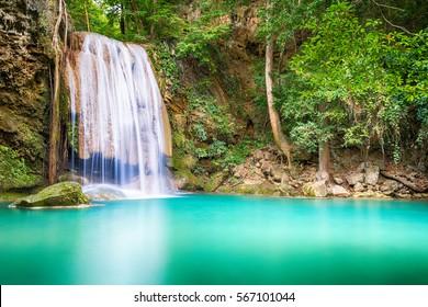 Wasserfall schön (erawan Wasserfall) in Kanchanaburi Provinz Asien Südostasien Thailand
