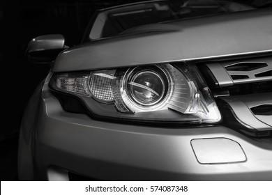 Scheinwerfer der modernen prestigeträchtigen Auto Nahaufnahme