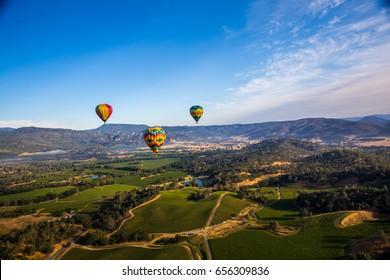 A punto de volar - Viaje en globo aerostático en Napa Valley, California, EE. UU.