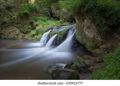 Schiessentümpel Wasserfall hautnah