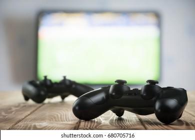 Gamepads auf dem Tisch