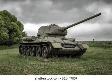 Sovjet tank T-34 in Valley of death - Dukla paas uit de Tweede Wereldoorlog in Svidnik, Slowakije