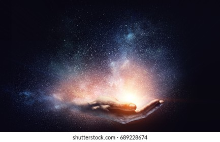 Magisches Licht in der Handfläche