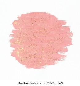 Rosa Farbe mit Goldglitter auf weißem Hintergrund. Abstrakter Gouachepinsel streicht Textur.
