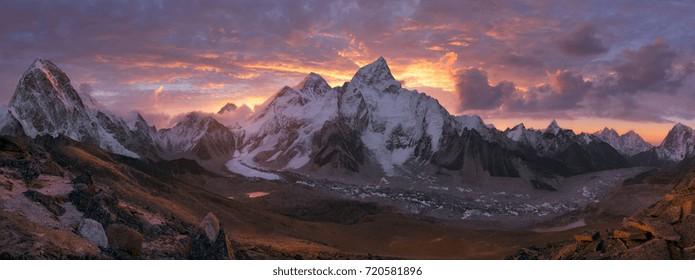 Mount Everest Range at sunrise, Himalaya, Nepal