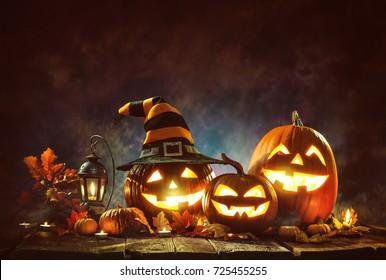 キャンドル点灯ハロウィンかぼちゃ
