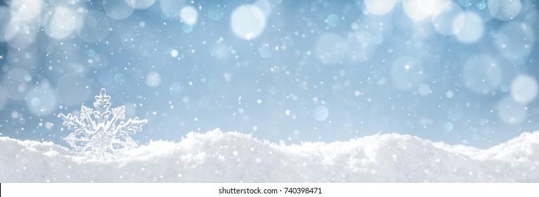 Sneeuwvlok op sneeuw. Winter vakantie achtergrond.