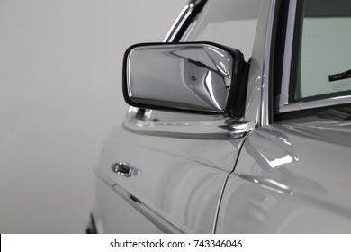 古い車のミラー
