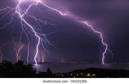 Tormenta sobre el lago Balaton
