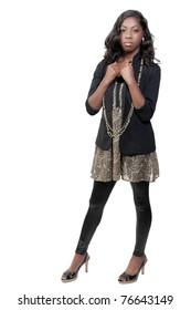 Eine schöne junge schwarze afroamerikanische Teenager-Schauspielerin Tänzerin, die einen Zylinder trägt